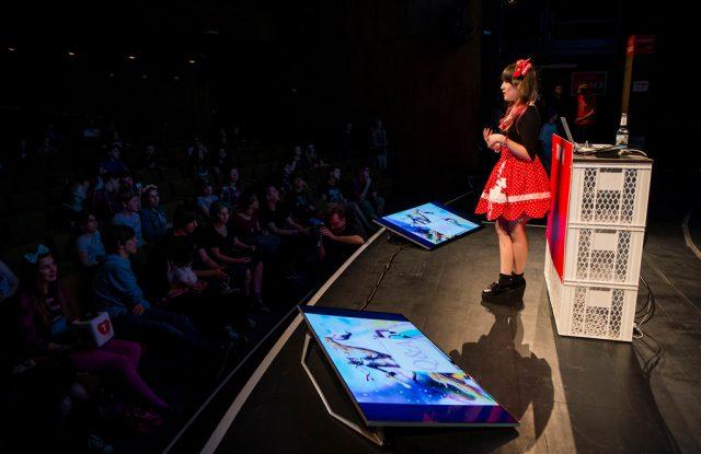 Vorschaubild zur Session 'Fashion design on a budget mit Breeding Unicorns'