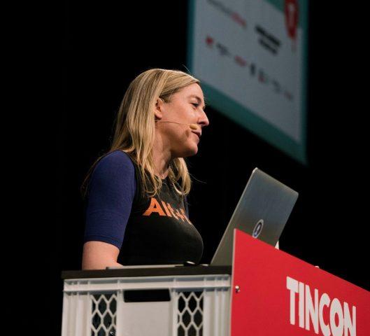 Vorschaubild zur Session 'Hackerethik: CCC-Sprecherin Conz klärt auf'