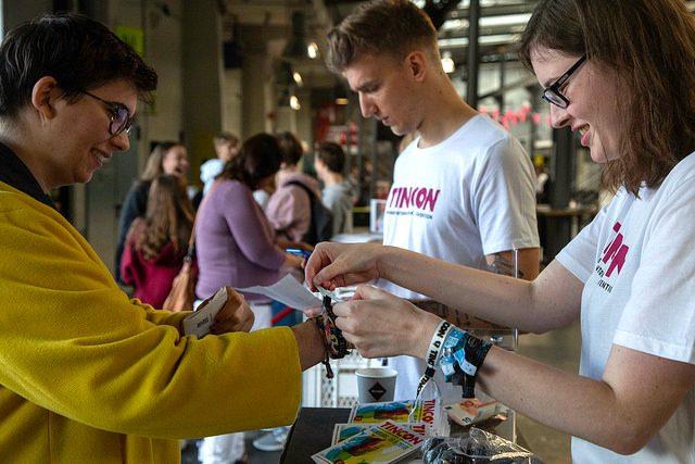 Thumbnail zum Beitrag 'FRIENDLY ROBOTS WANTED – Hilf uns auf der TINCON 2020'