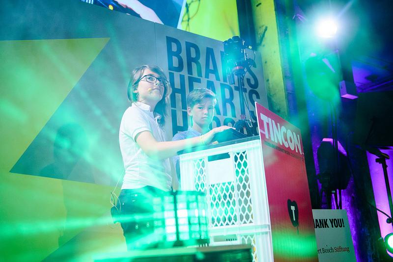 Tim Frey hält einen Vortrag auf der U21-Bühne der TINCON Berlin 2017