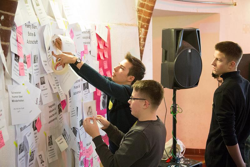 Teilnehmer des Programmworkshops 2018 diskutieren Ideen
