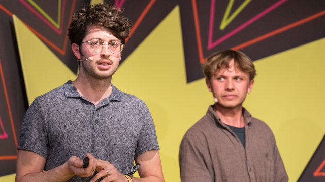 Vorschaubild zur Session 'Läuft oder fliegt bei dir? Visionen für die Mobilität der Zukunft'