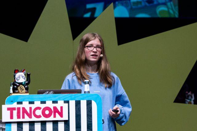 Vorschaubild zur Session 'Teens for Digital Integration - Mit 14 Sachen machen'