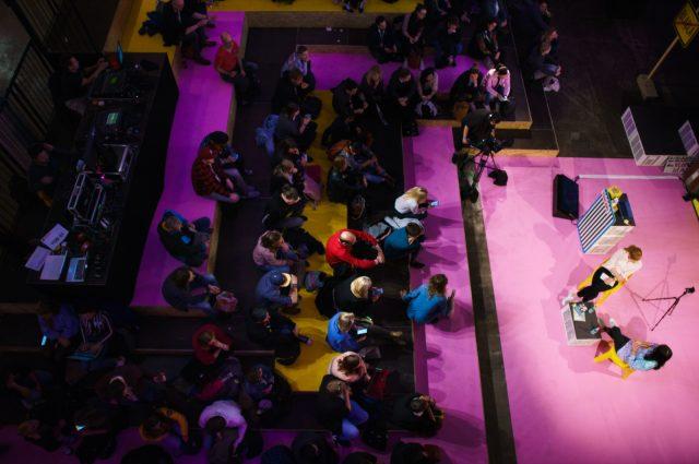 TINCON - teenageinternetwork convention - Das Festival für digitale Jugendkultur, die Gesellschaftskonferenz für Jugendliche von 13 bis 21 Jahren am 08. Mai 2019 im STATION Berlin. Speaker: Eva Schulz, MaiLabSession: Deutschland3000 \\\\\\\'n gute Stunde