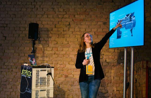 TINCON - teenageinternetwork convention - Das Festival für digitale Jugendkultur, die Gesellschaftskonferenz für Jugendliche von 13 bis 21 Jahren am 08. Mai 2019 im STATION Berlin. Speaker: Siemens #MINTfluencer - Beate Albrecht, Wir bauen großeSession: Jetpack