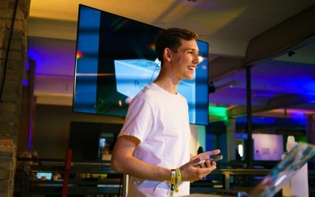 TINCON - teenageinternetwork convention - Das Festival für digitale Jugendkultur, die Gesellschaftskonferenz für Jugendliche von 13 bis 21 Jahren am 08. Mai 2019 im STATION Berlin. Speaker: agenZySession: Teenage Cheftage - Unternehmer werden mit 18