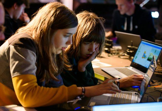 TINCON - teenageinternetwork convention - Das Festival für digitale Jugendkultur, die Gesellschaftskonferenz für Jugendliche von 13 bis 21 Jahren am 07. Mai 2019 im STATION Berlin. Speaker: Hacker SchoolSession: From Scratch: Programmier dein Mini-Game!