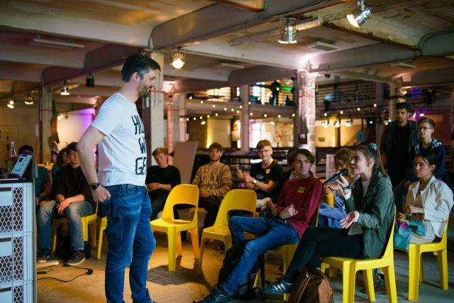 TINCON - teenageinternetwork convention - Das Festival für digitale Jugendkultur, die Gesellschaftskonferenz für Jugendliche von 13 bis 21 Jahren am 08. Mai 2019 im STATION Berlin. Speaker: DeChangemanSession: Die Schönheit Des Scheiterns
