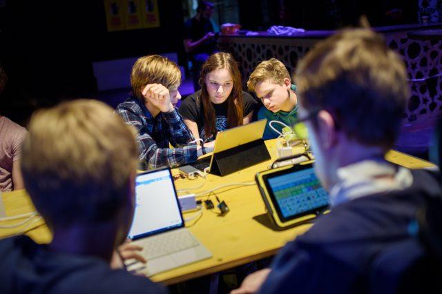 TINCON - teenageinternetwork convention - Das Festival für digitale Jugendkultur, die Gesellschaftskonferenz für Jugendliche von 13 bis 21 Jahren am 19. September 2017 auf Kampnagel in Hamburg.Speaker: Ulf BögeholzSession: Coden, Proggn, Sachen Machen!