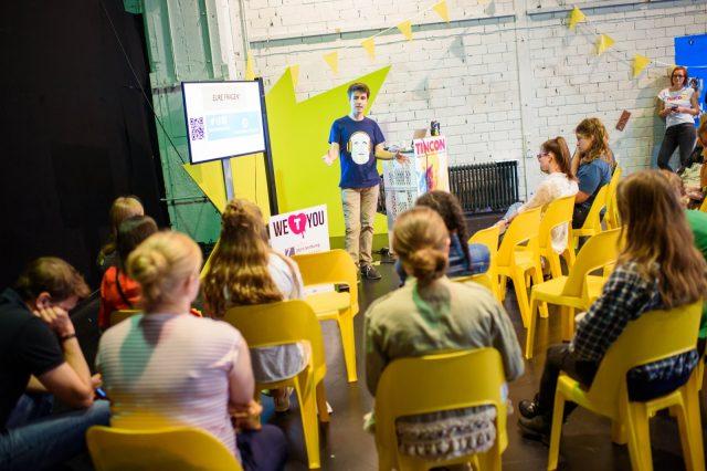 TINCON - teenageinternetwork convention - Das Festival für digitale Jugendkultur, die Gesellschaftskonferenz für Jugendliche von 13 bis 21 Jahren am 19. September 2017 auf Kampnagel in Hamburg.Speaker: Thilo BuchholzSession: Für den europäischen Zivildienst