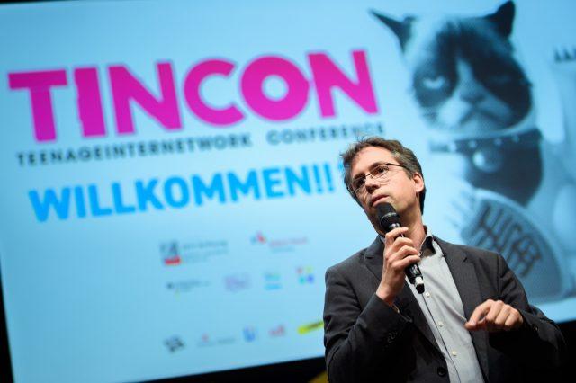 TINCON - teenageinternetwork convention - Das Festival für digitale Jugendkultur, die Gesellschaftskonferenz für Jugendliche von 13 bis 21 Jahren am 19. September 2017 auf Kampnagel in Hamburg.Session: Opening