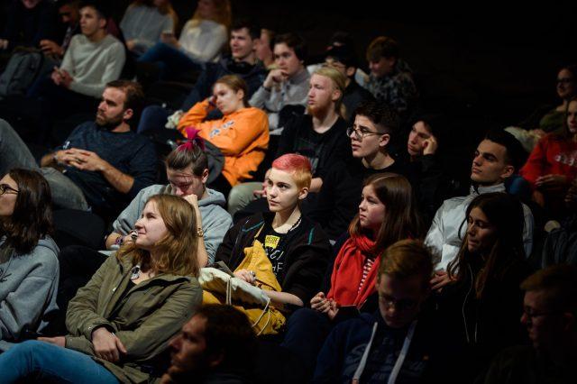 TINCON - teenageinternetwork convention - Das Festival für digitale Jugendkultur, die Gesellschaftskonferenz für Jugendliche von 13 bis 21 Jahren am 19. September 2017 auf Kampnagel in Hamburg.Speaker: Mit Rocket Beans TV und Ilyass AlaouiSession: Made in Japan – Stories über Games