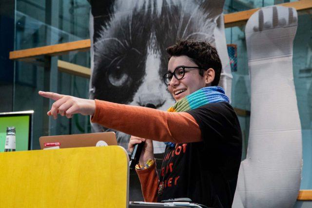 TINCON - teenageinternetwork convention - Das Festival für digitale Jugendkultur, die Gesellschaftskonferenz für Jugendliche von 13 bis 21 Jahren am 20. September 2019 auf Kampnagel in Hamburg.Speaker: Florin HaidarSession: Umweltbewusst sein im Netz ohne klugzuscheißen.