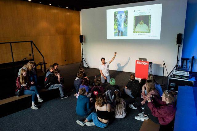 Thilo Kasper spricht am 27.05.2016 während eines Workshop auf der TINCON im Haus der Berliner Festspiele in Berlin. – Das erste Festival für digitale Jugendkultur \\\\\\\