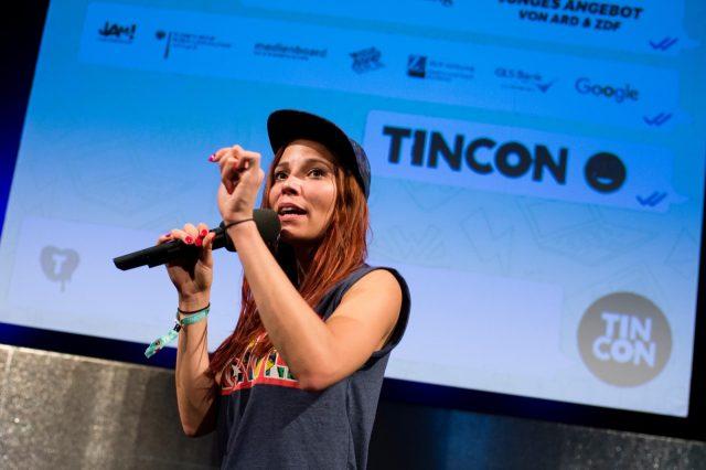 Vortrag von Takt32 zu Hip-Hop am 29.05.2016 auf der TINCON im Haus der Berliner Festspiele in Berlin. – Das erste Festival für digitale Jugendkultur \\\\\\\