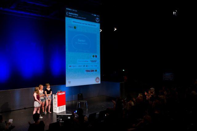 Nele, Marlene und Leila von den HAFILA Girls sprechen am 29.05.2016 auf der TINCON im Haus der Berliner Festspiele in Berlin. – Das erste Festival für digitale Jugendkultur \\\\\\\
